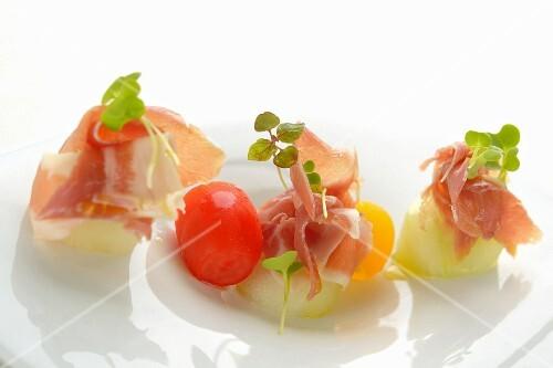 Melon balls with Parma ham