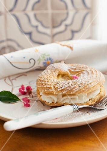 Choux pastry rings with a buttercream filling