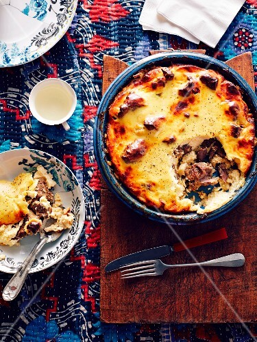 Tave Kosi (Albanian baked lamb)