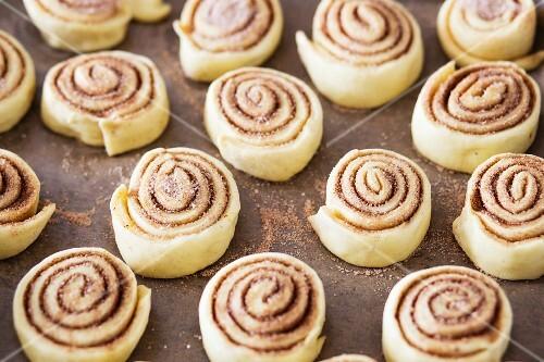 Unbaked cinnamon buns