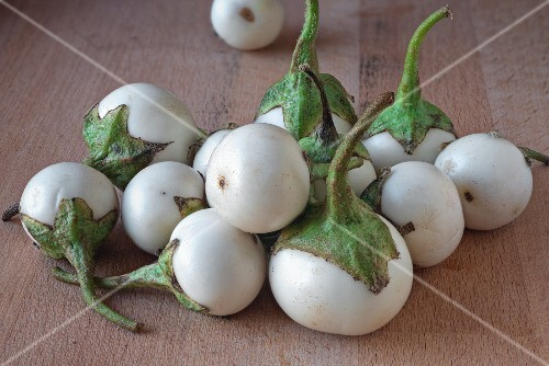 White Thai aubergines
