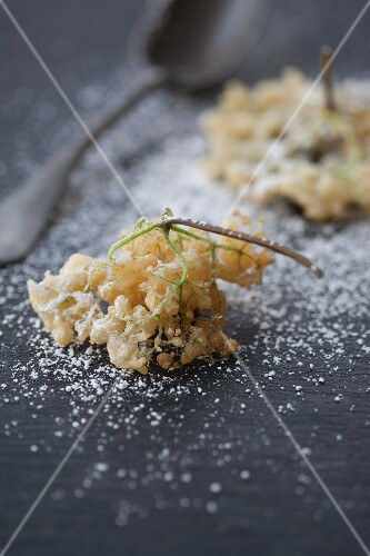 Deep-fried elderflowers with icing sugar