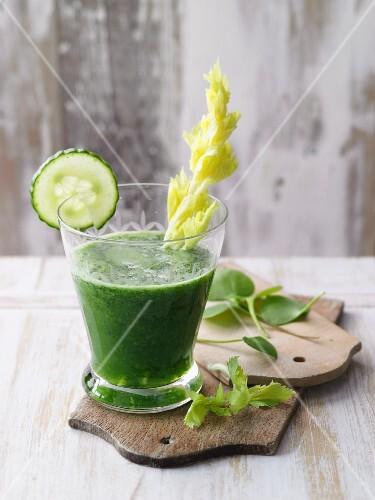 A green cucumber and purslane drink