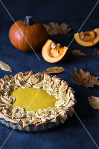 Pumpkin pie decorated with pastry leaves (USA)