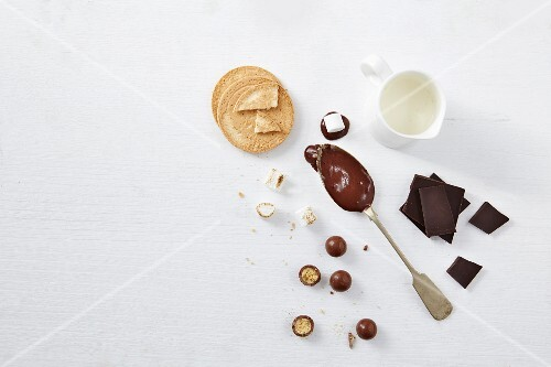 Oat biscuits, chocolate and milk