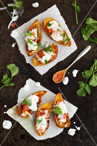 Baked potato skins with raita (India)