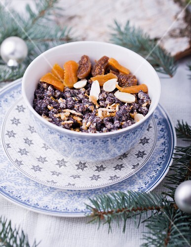 Kutia (wheat with poppy seeds and honey, Poland) for Christmas