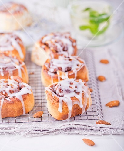 Iced buns with almond cream