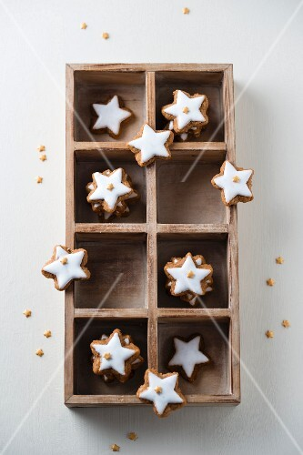 Cinnamon stars with mini sugar stars