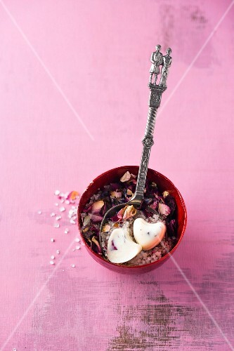Scented bathing salt with rose petals