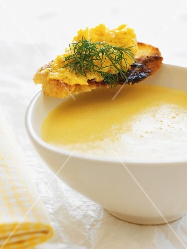 Carrots and pumpkin soup with cheese toast