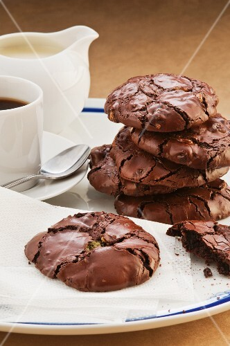 Flourless chocolate and mint biscuits