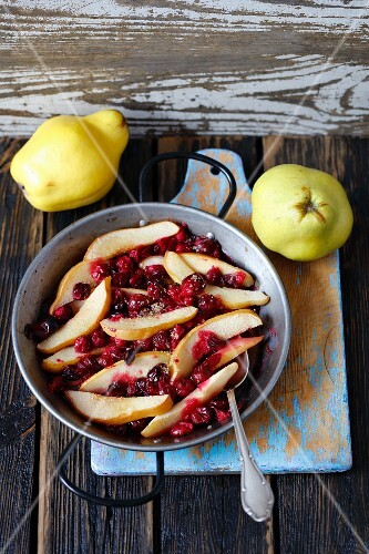 Quince baked with lingonberries