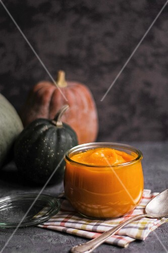 A jar of pumpkin purée