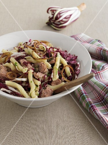 Insalata con Torchietti e Tonno (Italian pasta salad)