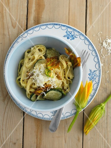 Fettuccini with courgette