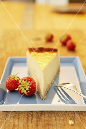 A slice of cheese cake