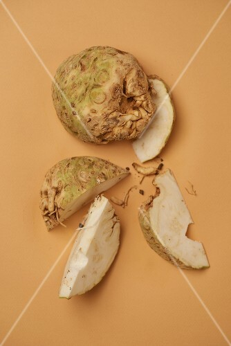 Celeriac, partially cut into wedges (seen from above)