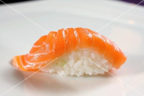 A sake sushi: nigiri sushi with salmon