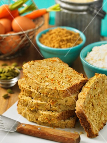 Carrot and coconut bread with cardamom