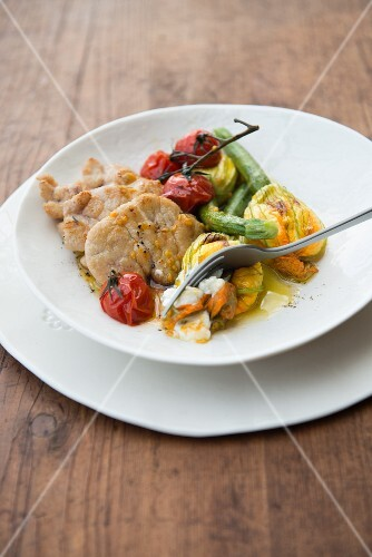 Veal sweetbread with tomatoes and courgette