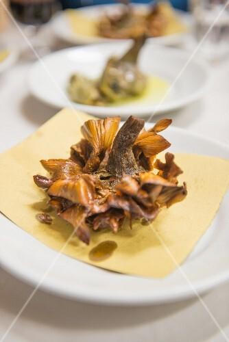Carciofi alla giudia (fried artichokes, Italy)