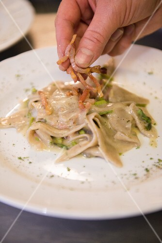 Maltagliati with garlic and asparagus