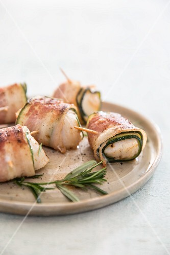 Scallops wrapped in courgette and bacon