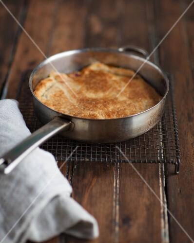 Tarte tatin in a pan