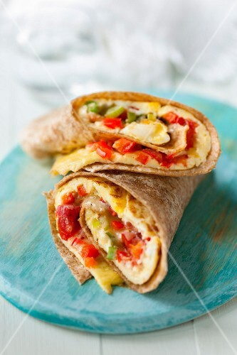 Breakfast burritos with omeltte