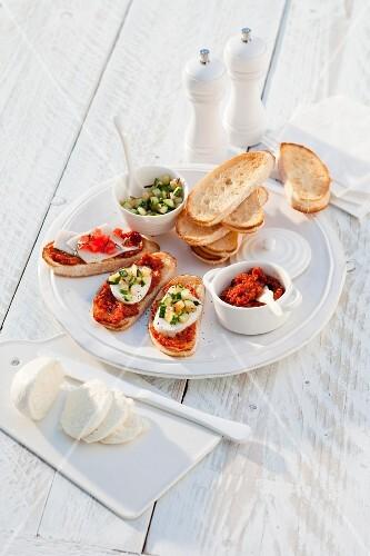 Bruschetta with tapenade, mozzarella and courgette