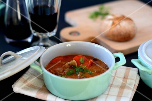 Stew with beef and peppers
