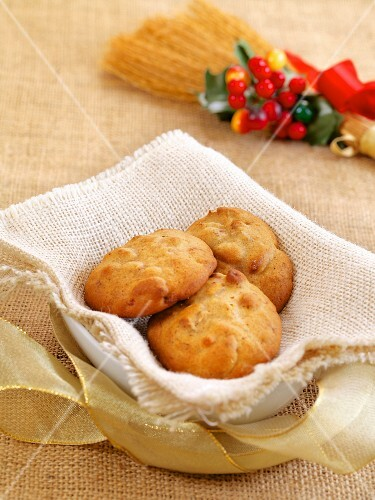 Sapienze (traditional Christmas cakes from Naples, Italy)