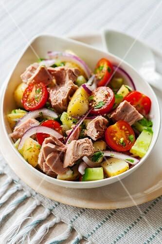Potato and tuna salad