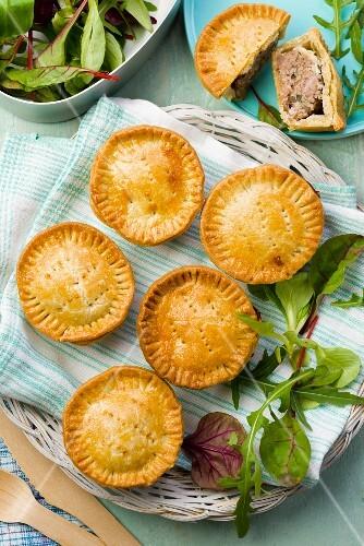 Mini meat pies