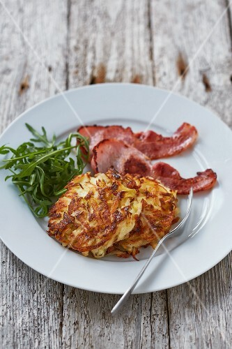 Potato and apple fritters with bacon