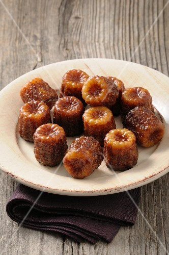 Cannelés (French pastries)