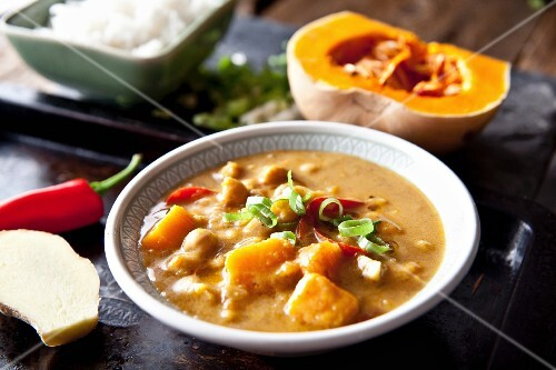 Vegetable curry with butternut squash and chickpeas (southern India)