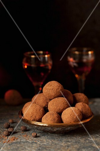 Aztec truffles: sweet and spicy chocolate truffles with spices and cocoa
