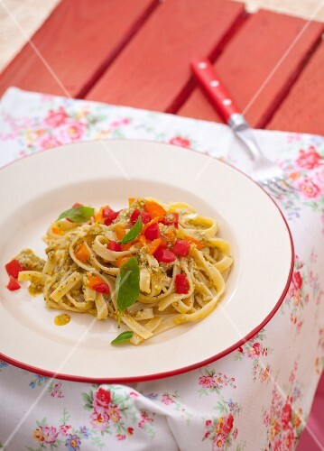 Tagliatelle with pepper and basil
