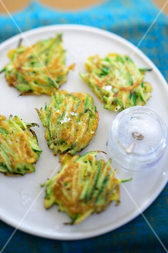 Courgette fritters with salt