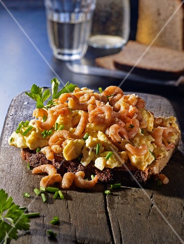 Bread topped with shrimp scrambled egg