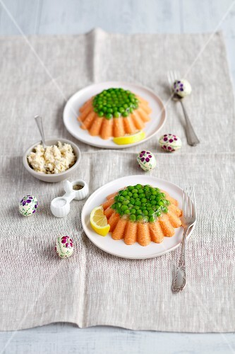 Salmon mousse with gelatine, peas and horseradish for Easter