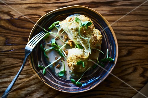 Roasted cauliflower with cress