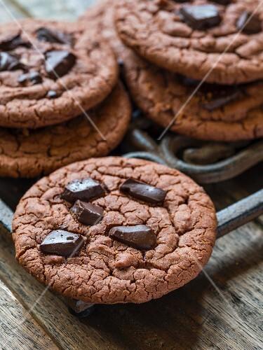 Vegan flourless, gluten-free chocolate chip cookies