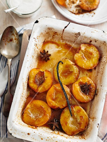 Oven baked nectarines with spices