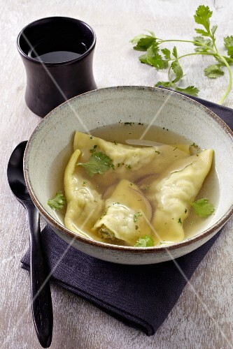 Veal ravioli with coriander broth (Thailand)