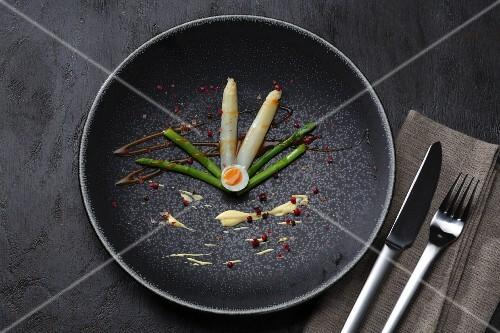 Asparagus with a quail's egg