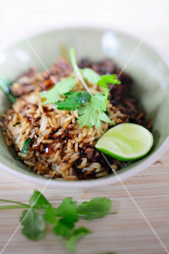 Basmati rice with minced meat and limes
