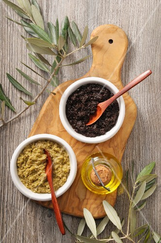 Tapenade made from green and black olives